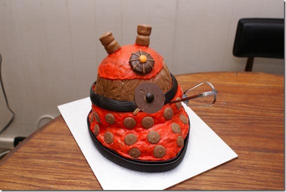 The finished Dalek cake